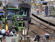 30 injured in Iran truck-train collision
