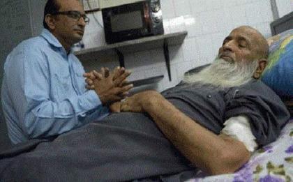 Abdul Sattar Edhi's funeral should be protocol free, Faisal Edhi