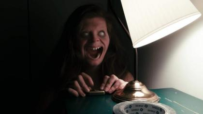 """New highlights of a new american horror movie """"Lights out"""" have been released"""