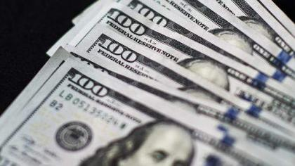 Dollar rises as US data fuel talk of rate hike