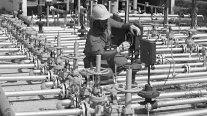 Industrial output grows 3.45% in Jul-May (2015-16)