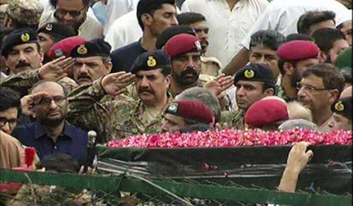Edhi's funeral is in process, prominent political leaders, miltary and armed forces have participated