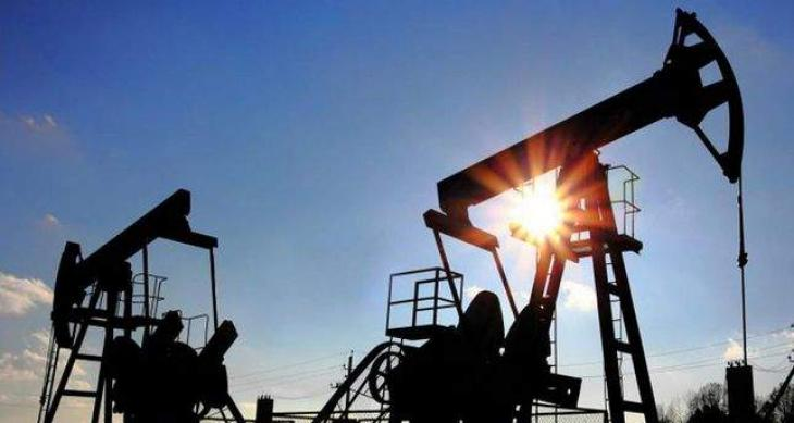 Oil market recedes with rate calls in view