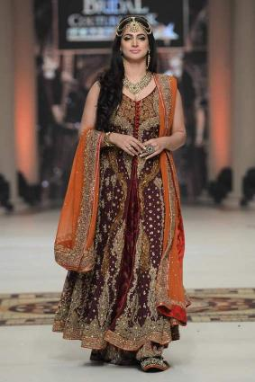 Fashion show on wedding season was enriched with colors