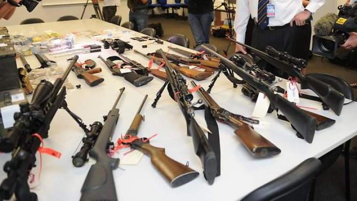 43 criminals held with drugs, weapons