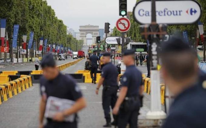 Paris police beef up security for Tour de France finale