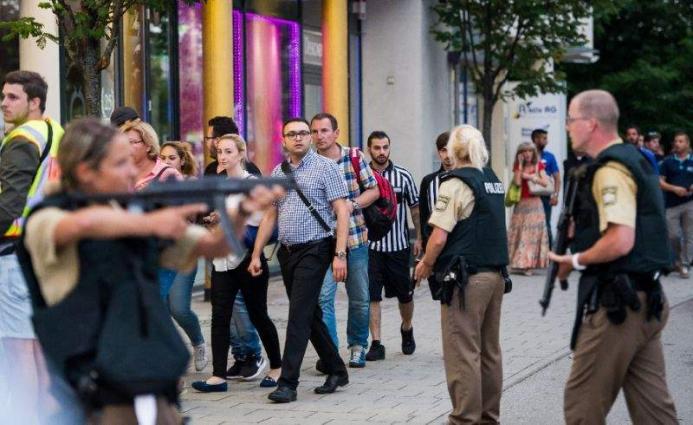 Munich gunman 'deranged,' no links to IS: police