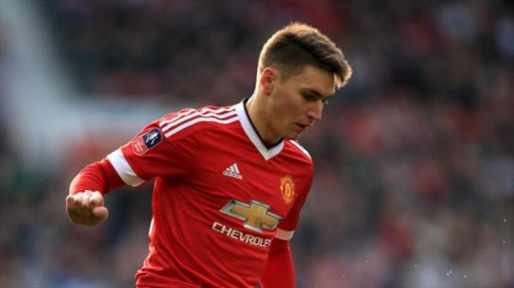 Football: Manchester United loan Varela to Frankfurt