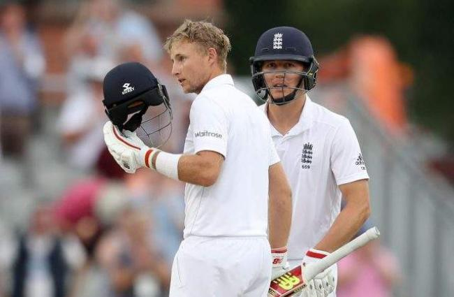 Cricket: England v Pakistan 2nd Test scoreboard    ATTENTION - UPDATES to 2nd day tea ///