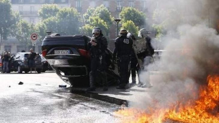 Hollande seeks to defuse row over Nice security
