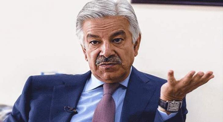 وزير الدفاع الباكستاني يرفص تصريحات الرئيس الأفغاني بشأن تواجد مكاتب طالبان أفغانستان في باكستان