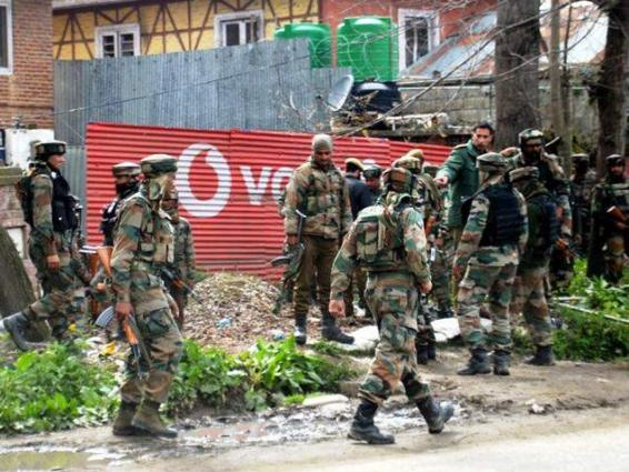 Indian forces attack journalist's locality in Bijbehara
