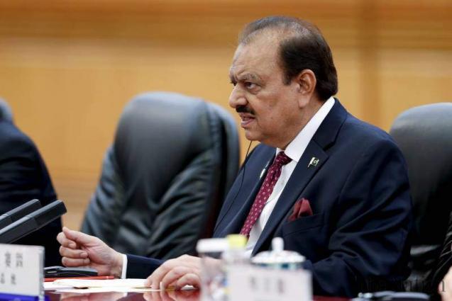 الرئيس الباكستاني يستنكر الهجوم على قوات الجيش بمدينة كراتشي