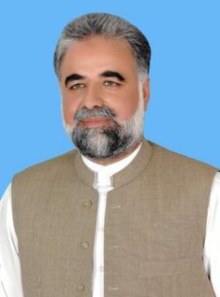 نائب رئيس البرلمان الوطني الباكستاني يعزي في وفاة والدة الصحفيةالشهيرة نسيم زهرة