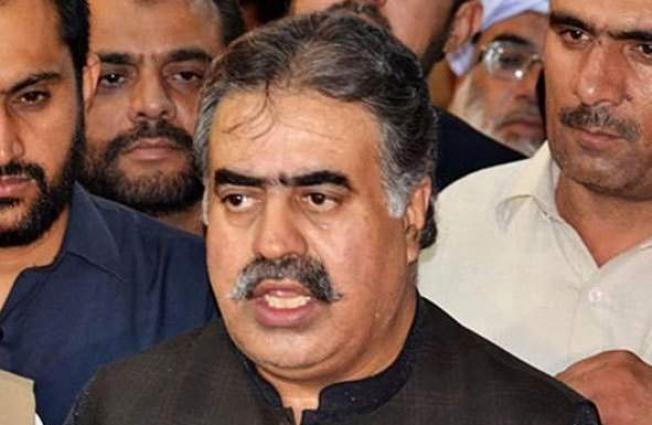 رئيس وزراء حكومة إقليم بلوشستان الباكستاني يهنئ رئيس وزراء حكومة إقليم السند الجديد على تولية منصبه