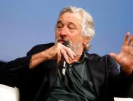 De Niro compares 'totally nuts' Trump to Taxi Driver