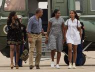 Obamas wrap up final summer trip as first family
