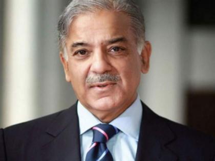 رئيس وزراء حكومة إقليم البنجاب الباكستاني يهنئ راجا فاروق حيدر على توليه منصب رئيس وزراء آزاد جامو وكشمير