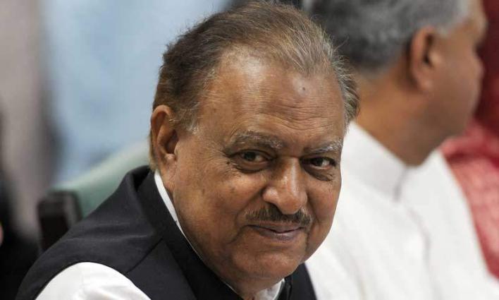 الرئيس الباكستاني يؤكد على ضرورة تعزيز التجارة الثنائية بين باكستان ورومانيا