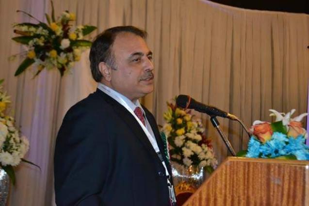 سفارة باكستانية في رياض تبدء توزيع مبالغ نقدية بين باكستانيين محصورين عاملين في المملكة العربية السعودية