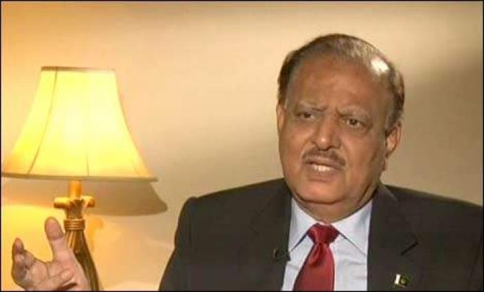 الرئيس الباكستاني يؤكد على معاملة متساوية لجميع المواطنين في التمتع بالحقوق