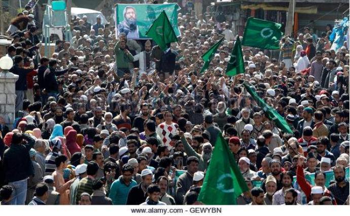 رئيس مؤتمر الحرية لكافة الأحزاب الكشميرية: نضال الكشميريين سيتجه إلى عقد الاستفتاء في كشمير المحتلة