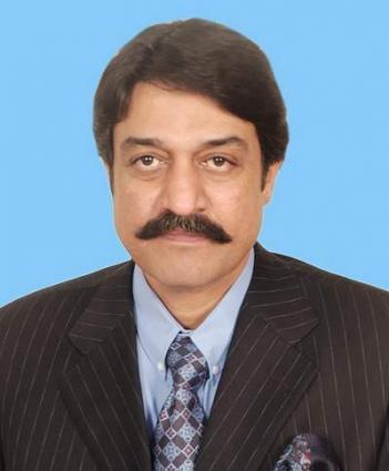 وزير المغتربين وتنمية الموارد البشرية الباكستاني يؤكد بحل قضايا العمال الباكستانيين المحصورين في المملكة على أساس الأولوية