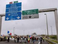Britain to start building anti-migrant wall in Calais