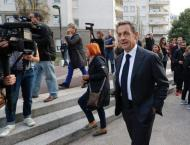 Sarkozy, Juppe seek nomination that could decide French election