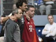 Football: Bayern's Hummels limps off ahead of Atletico clash