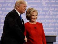 Clinton, Trump take stage for crucial first debate