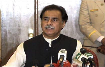 رئيس البرلمان الوطني الباكستاني يعزي في وفاة الصحفي الشهير زاهد ملك