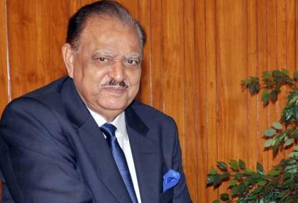 الرئيس الباكستاني يؤكد على ضرورة تعزيز الانسجام الوطني للقضاء على تهديدات داخلية وخارجية تواجهها البلاد