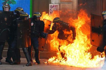 Clashes at new French demos over labour reforms