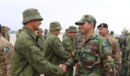 قوات روسية تصل باكستان للمشاركة في أول تدريبات عسكرية بين البلدين
