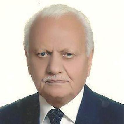 محافظ إقليم البنجاب الباكستاني يعزي في وفاة الصحفي الشهير زاهد ملك