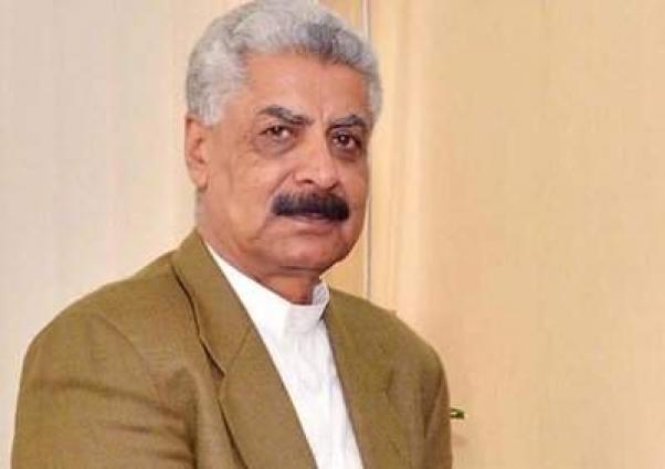 وزير شؤون الأقاليم والمناطق الحدودية الباكستاني يدين الهجوم الانتحاري في مدينة