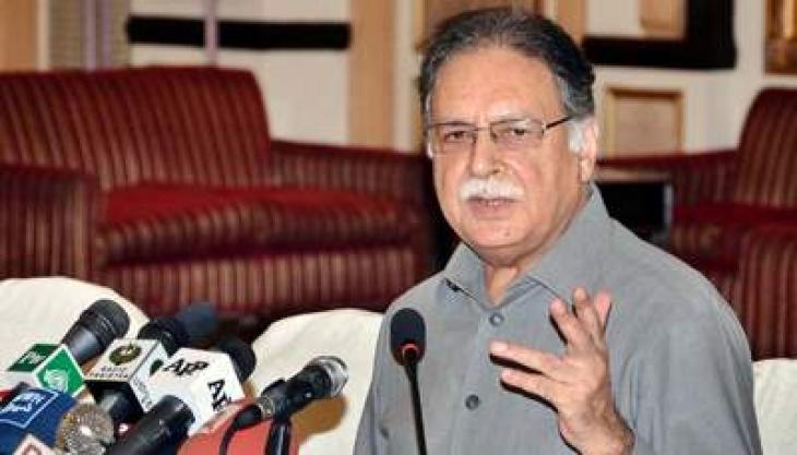 وزير الإعلام والإذاعة الباكستاني يحث الشعب على التبرع للمنظمات العاملة للرعاية الإنسانية