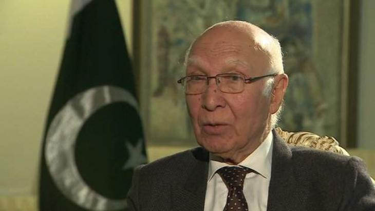 مستشار رئيس الوزراء الباكستاني للشؤون الخارجية: تدهور الوضع في كشمير نتيجة للاحتلال الهندي