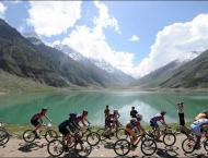 Guys makes new world records in cycling during 2nd Pakistan Coast ..