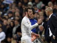 Football: Kroos defends under-fire Zidane