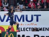 Football: In-form Cavani gifts PSG win at Nancy