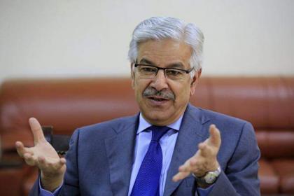 وزير السكك الحديدية الباكستاني يصف احتجاج حزب الإنصاف الباكستاني بمؤامرة ضد نظام الديمقراطي