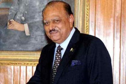 الرئيس الباكستاني يعزي في وفاة الأمير الأسبق لدولة قطر الشيخ خليفة بن حمد آل ثاني