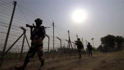 القوات الهندية تطلق النار الاستفزازي على الخط الفاصل في كشمير
