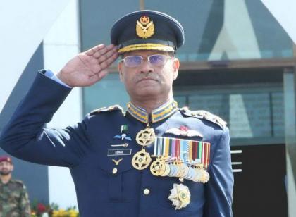 قائد القوات الجوية الباكستانية يلتقي رئيس الدفاع الإيطالي