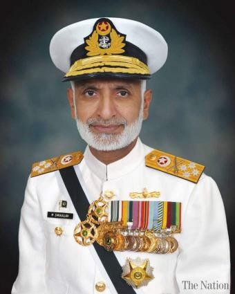 قائد القوات البحرية الباكستانية يؤكد استعداد بلاده للتصدي لأي عدوان خارجي
