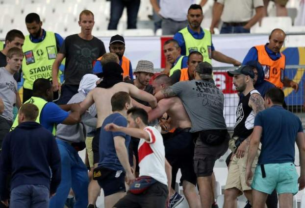 Football: European leagues threaten UEFA match clashes