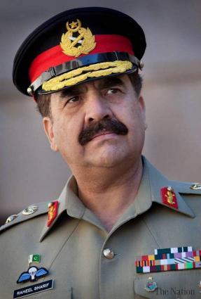 رئيس أركان الجيش الباكستاني يشهد التمرين العسكري المشترك بين باكستان وروسيا
