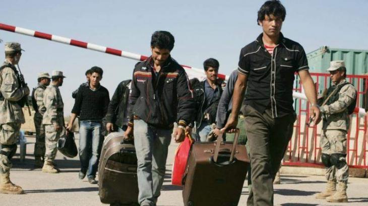 تمت إعادة حوالي 200000 لاجئ أفغاني إلى أفغانستان
